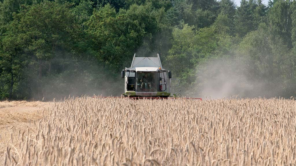 Rural insurer launches safety checklist as Covid-19 harvest concerns mount