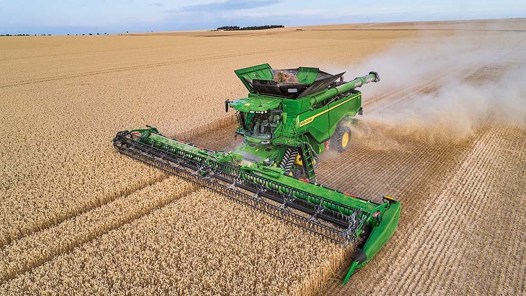 Revealed: More details on John Deere's 100 tonne per hour X9 combine