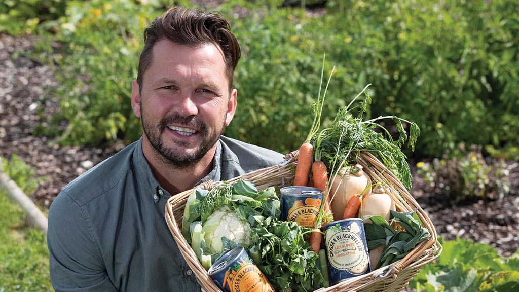 TV presenter Jimmy Doherty warns Government will 'betray' British farmers by undermining standards in future trade deals