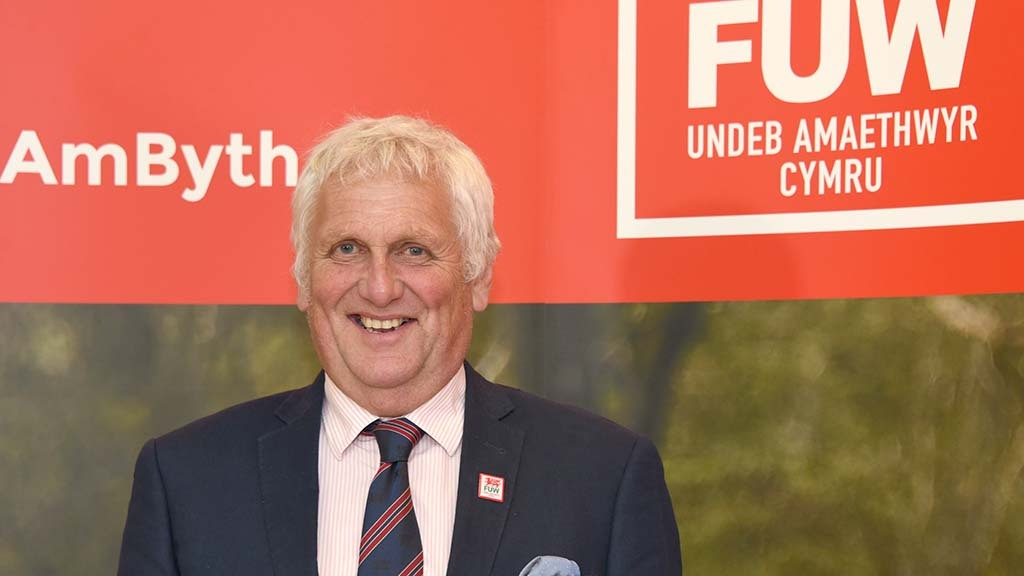 FUW Council unanimously re-elects president
