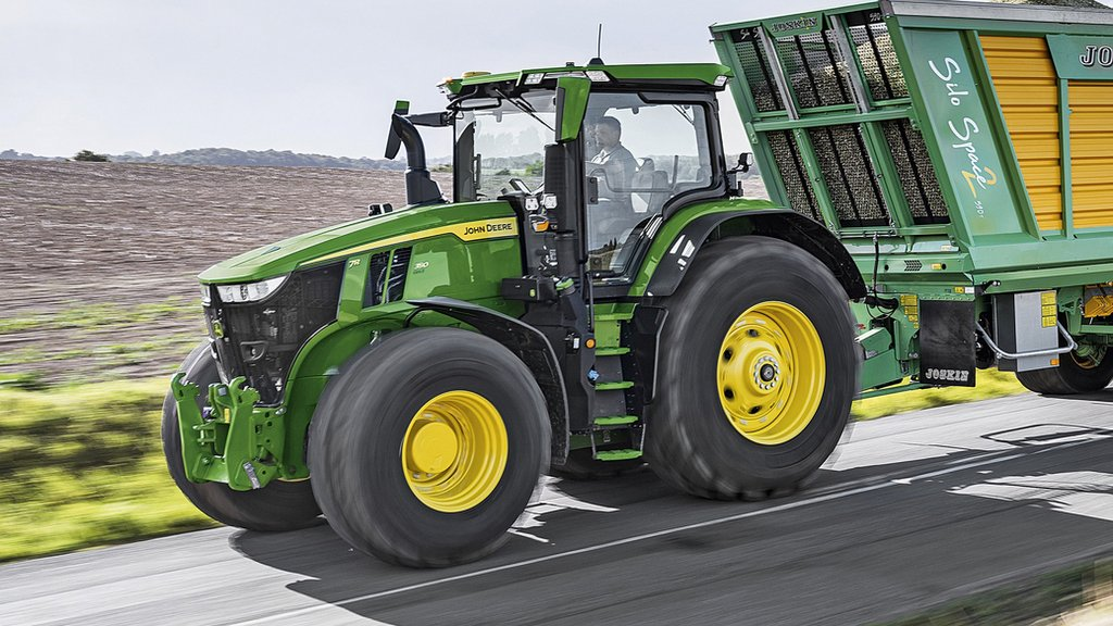 More power and tech for John Deere 7R tractor series