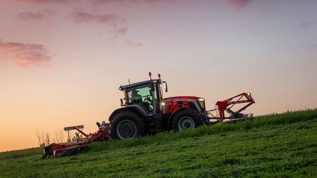 Massey Ferguson launches next generation of 200hp tractors set to replace 7700S Series