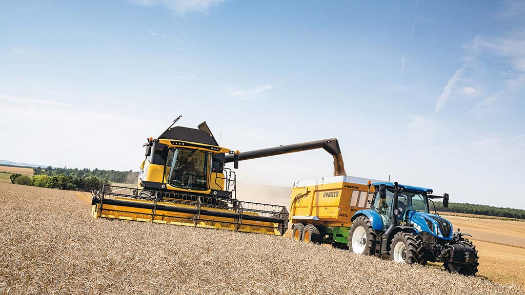 New Holland introduces crossover harvesting concept for mid-range combines