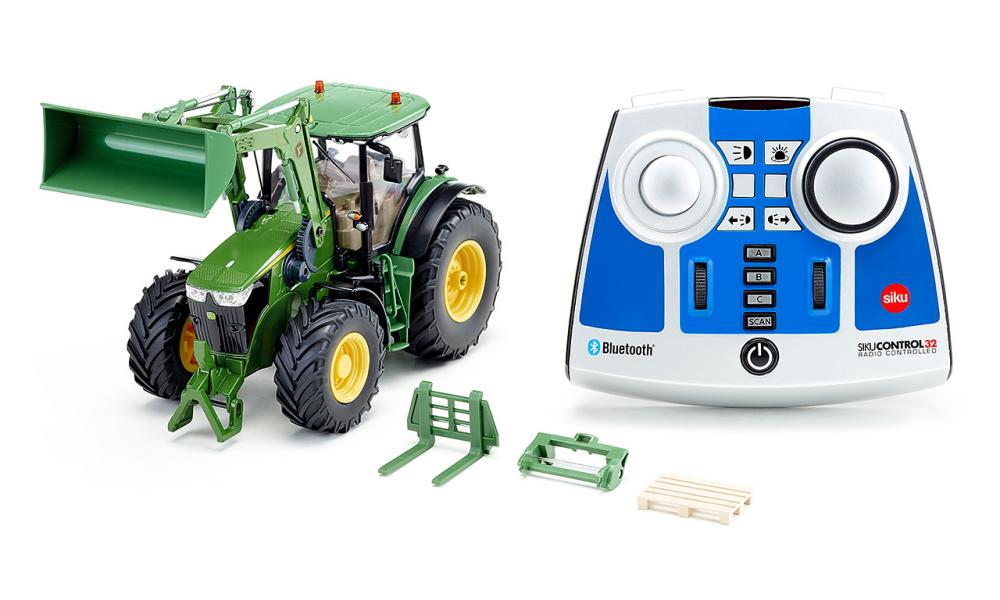 7-8am: John Deere 7310R remote control tractor