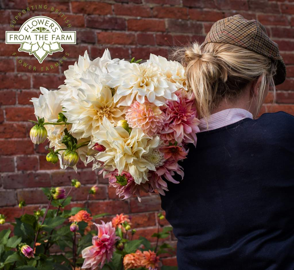 4-5pm, 8-9pm: Flowers from the Farm bouquets