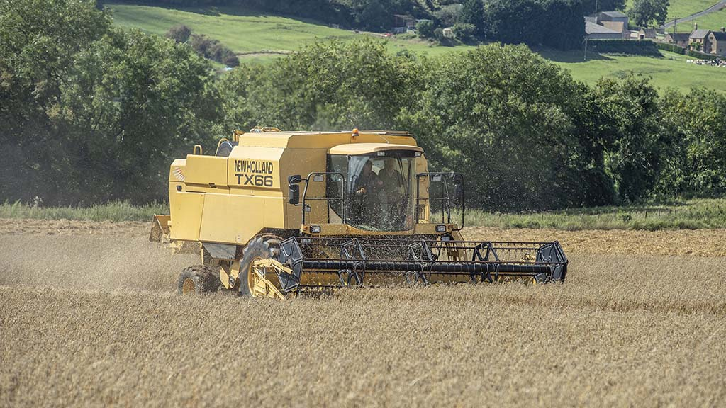 Auto-stubble height control and self-levelling are useful features working in the rolling Gloucestershire countryside.