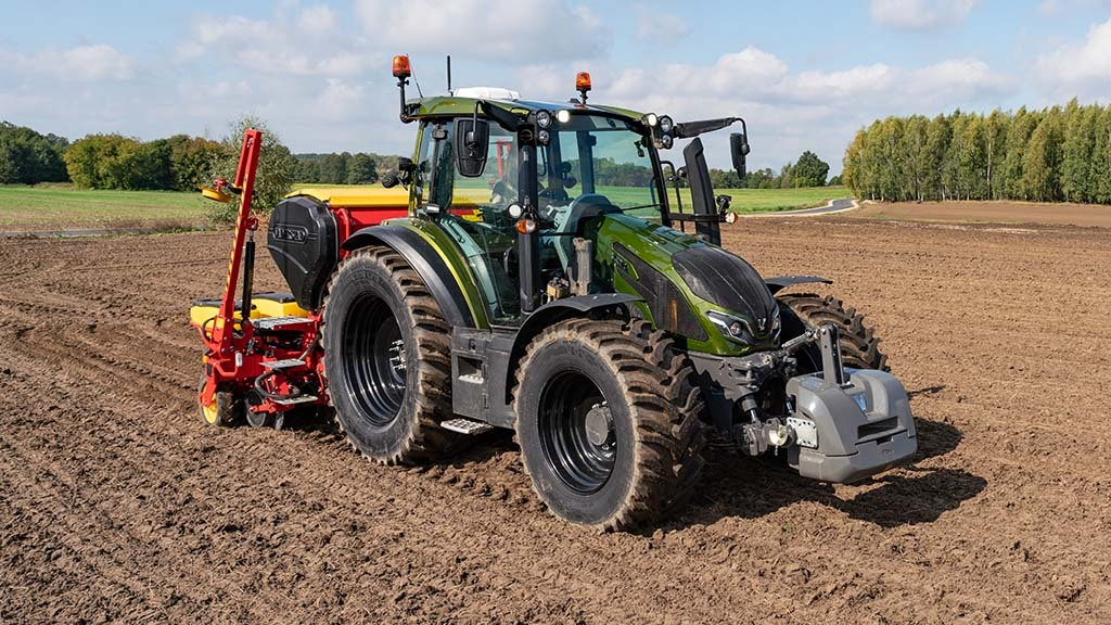 New 100hp range marks the start of Valtra's fifth generation of tractors