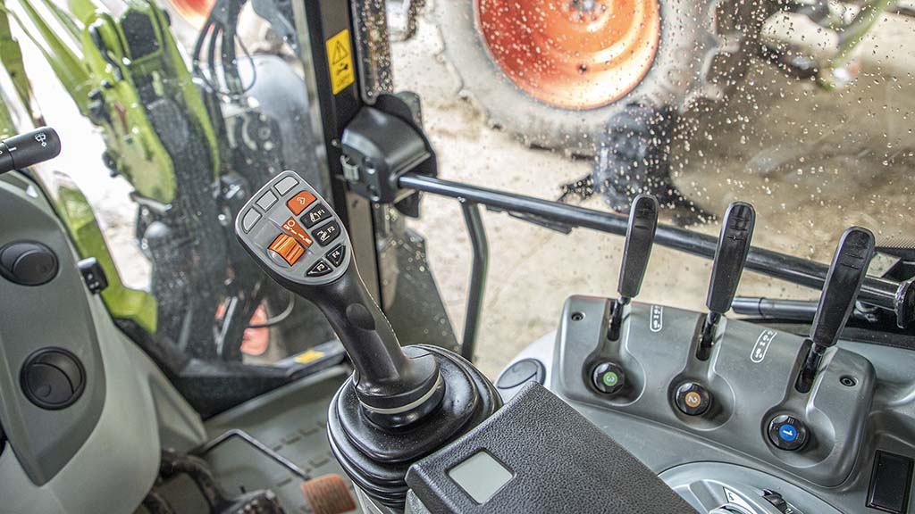 Arion's joystick delivers convenience with integrated transmission, rear linkage and loader control.