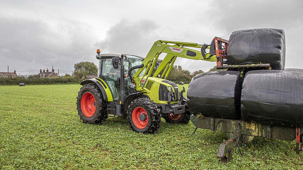 Burnt House Farm has added a 100hp Claas Arion 420 with FL loader for materials handling duties.