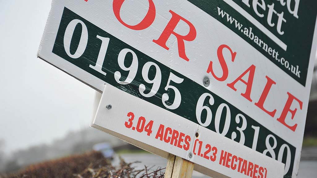Sellers hold back from farmland market