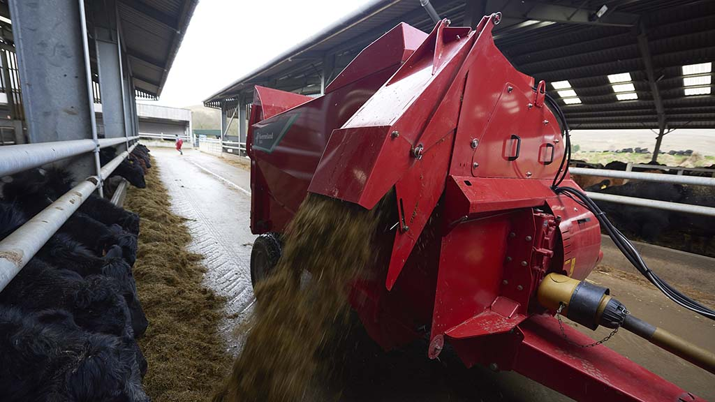 Top tips: Keeping on top of bale chopper maintenance