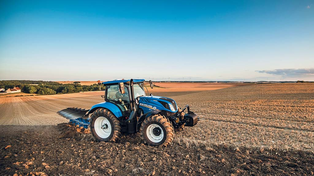 New Holland adds new Dynamic Command model to T6 tractor range