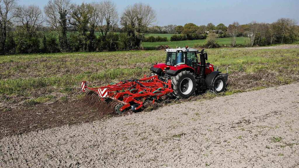 Kverneland expands Enduro cultivator range with folding models