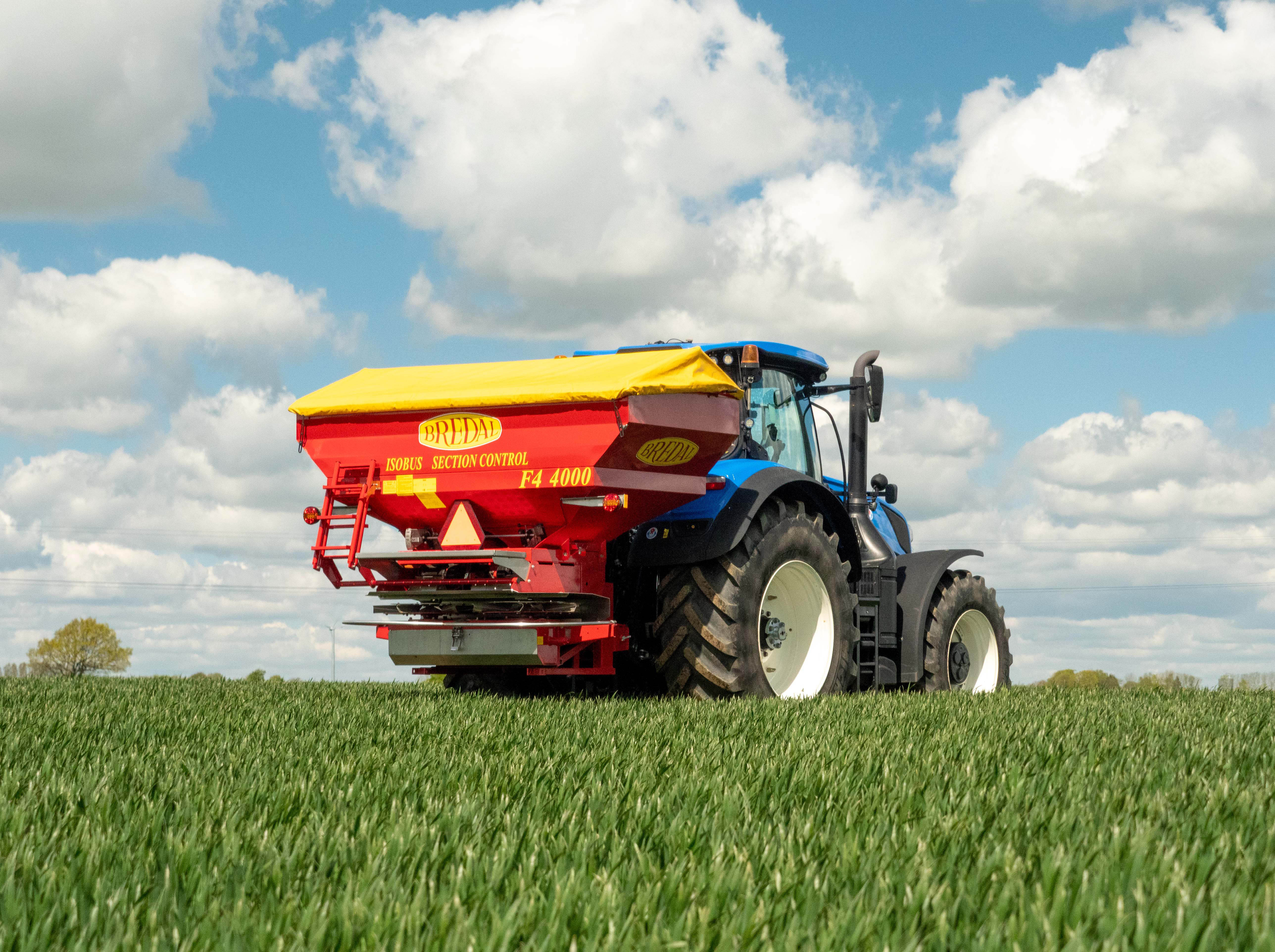 KRM launches IsoBus fertiliser spreader with belt feed system