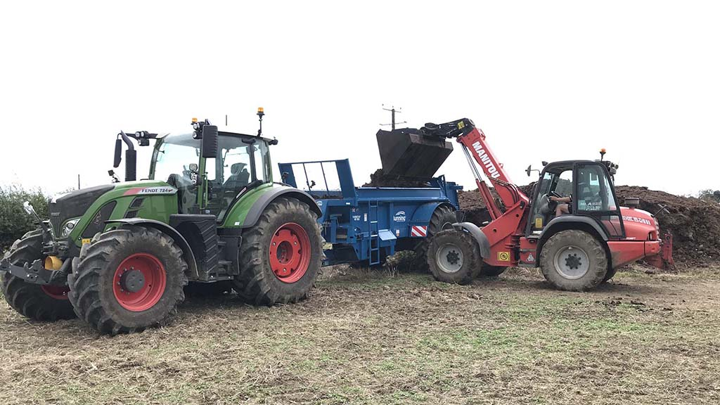 With a loading height of just under 2m, the farm's handler can easily be used to fill the spreader.