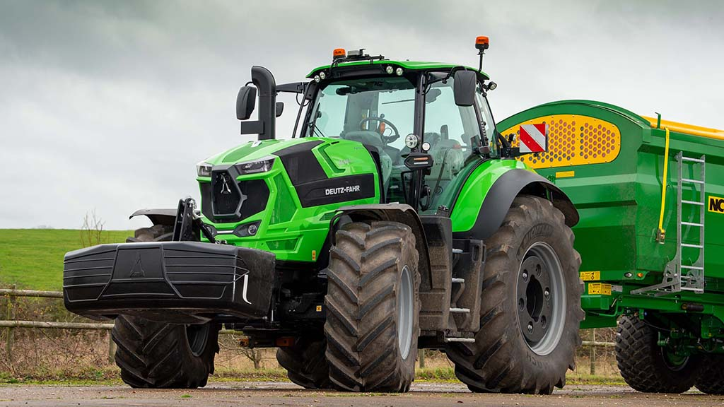 Review: Deutz-Fahr storms into 250-300hp CVT tractor market with 8280TTV
