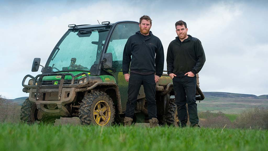 Pasture 'addicted' brothers target earlier turnout