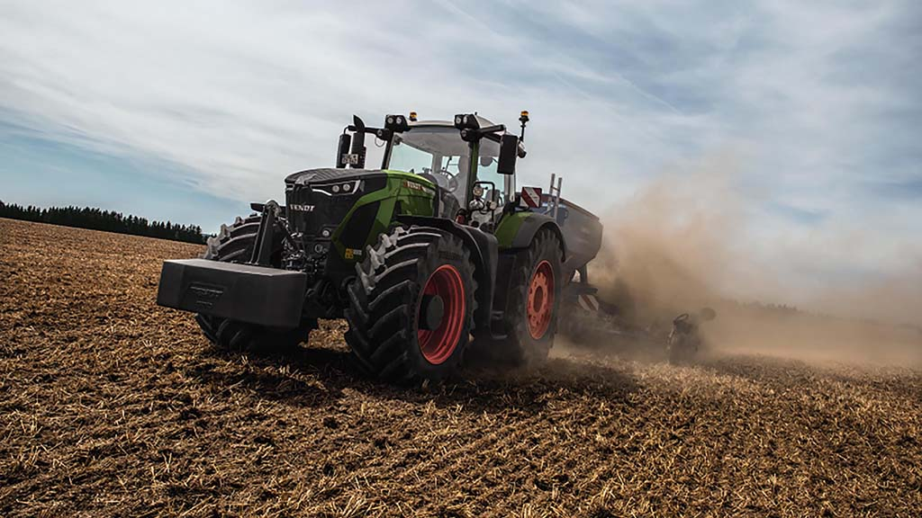 High horsepower tractors such as this Fendt Vario 900 are increasingly required to work for longer hours, helping to justify escalating costs.
