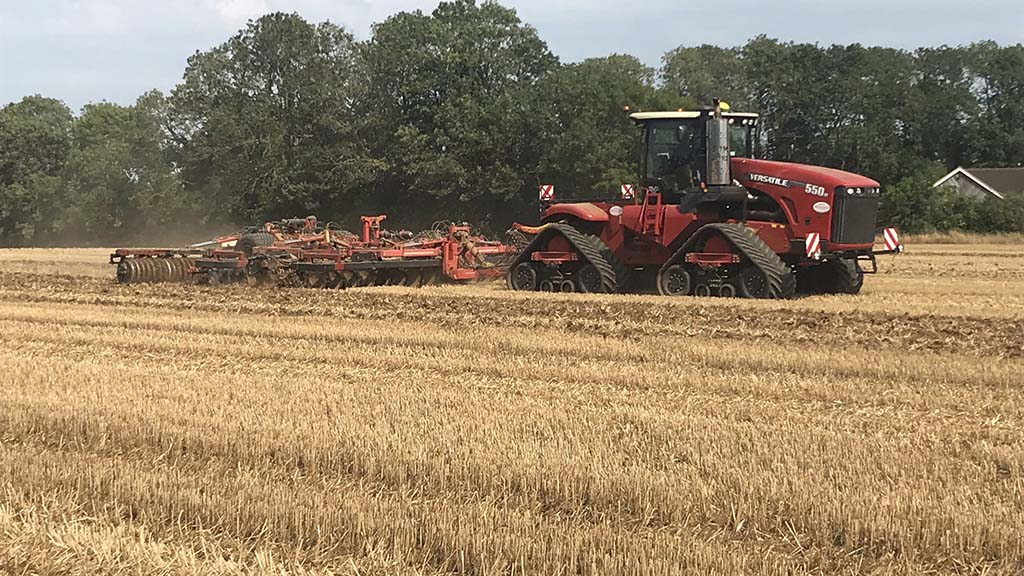 A five-year old, 3,000-hour Versatile 550DT works solidly on cultivation and drilling duties for Morrells Farming.