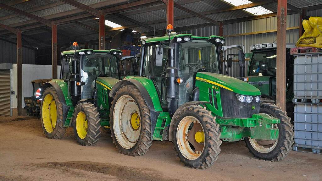 Valefresco's contract hire agreement with John Deere includes 750 hours per tractor for each year. During the quieter winter months, all five contract hire machines remain unused.
