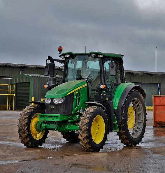 Valefresco equipped its 6M tractors with the row crop wheels previously fitted to the firm's older John Deere 10 Series tractors.