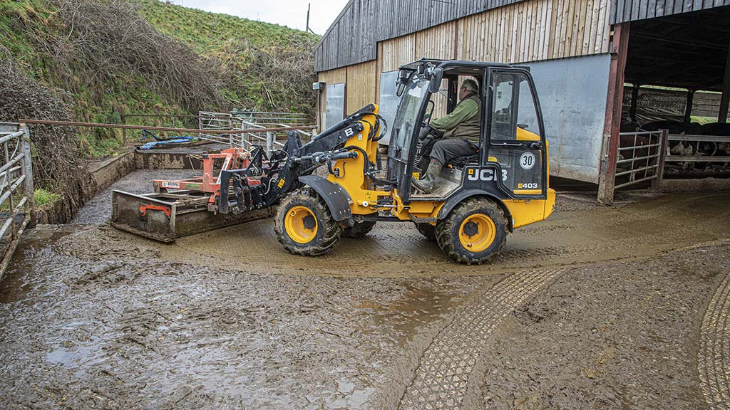 User story: JCB 403 loader shows its versatility around the farm