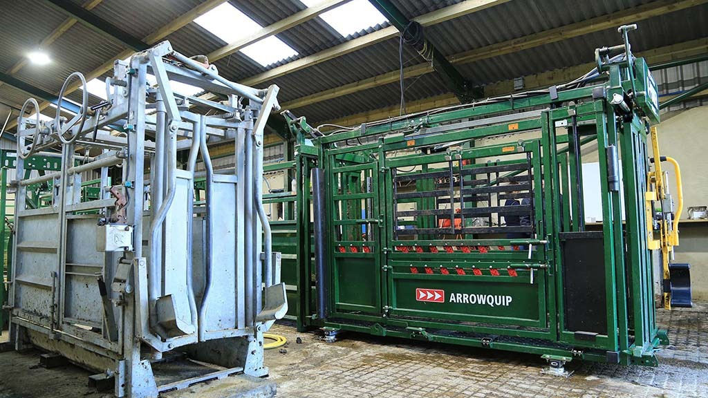 Both crushes have their uses says Mr Smirthwaite. The Arrowquip is used for general tasks, while the Bateman is reserved for hoof care.