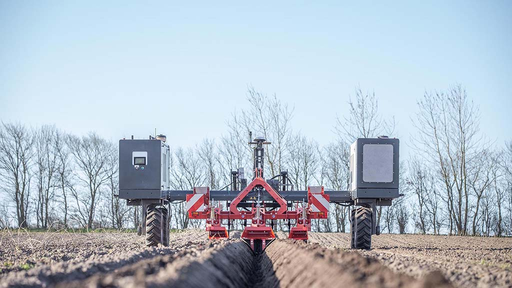 Autonomous Agri Solutions is currently working with RTKFnet in the UK, to provide a suitable RTK system compatible with the Robotti design which will provide the highest degree of accuracy.