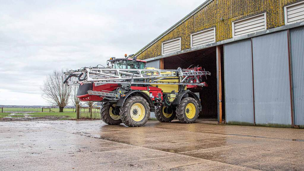 User review: Simple-spec Hardi Alpha self-propelled sprayer hits the spot
