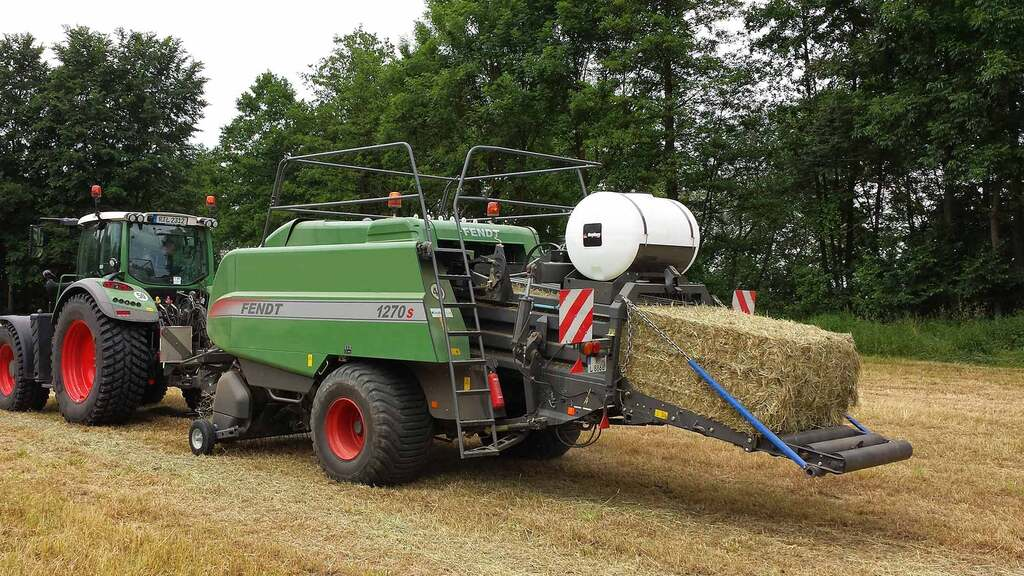 Where to mount tanks on balers