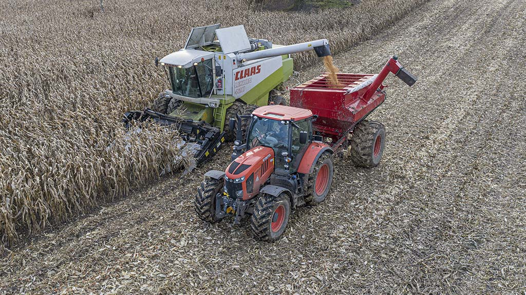 User story: Custom chaser cuts compaction during grain maize harvest