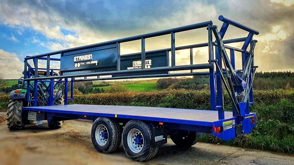 Staines Trailers' hydraulic bale door trailer offers a safer, more time-efficient alternative to flat-bed trailers.