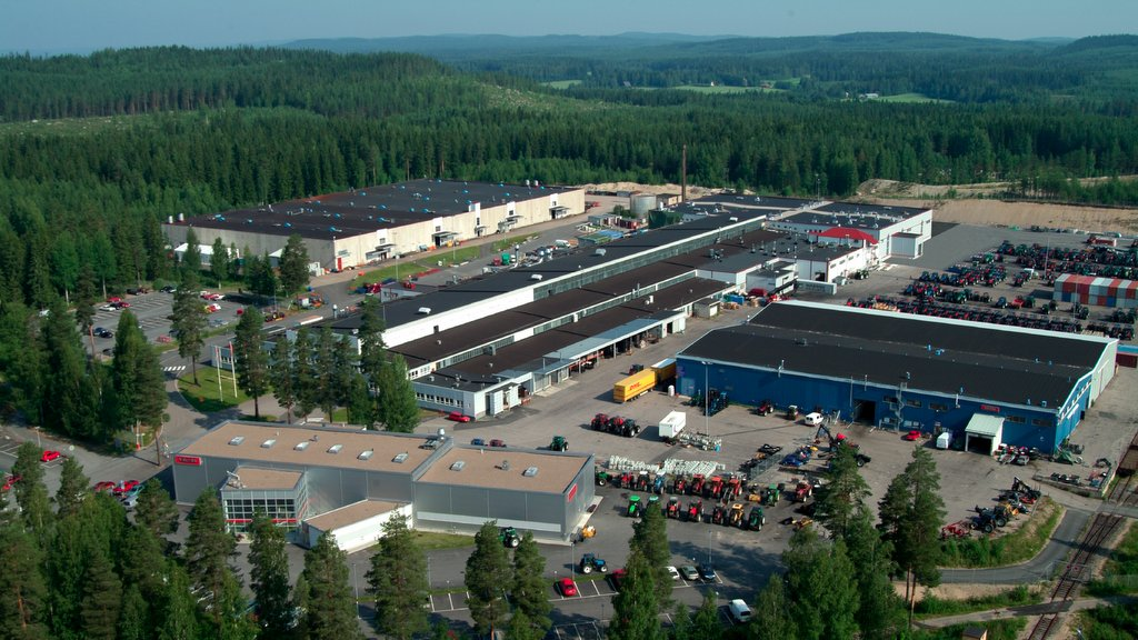In 1969, Valtra moved from its former home at Tourula to a new larger manufacturing facility at Suolahti. This remains the primary tractor production plant and HQ for Agco-Valtra to this day.