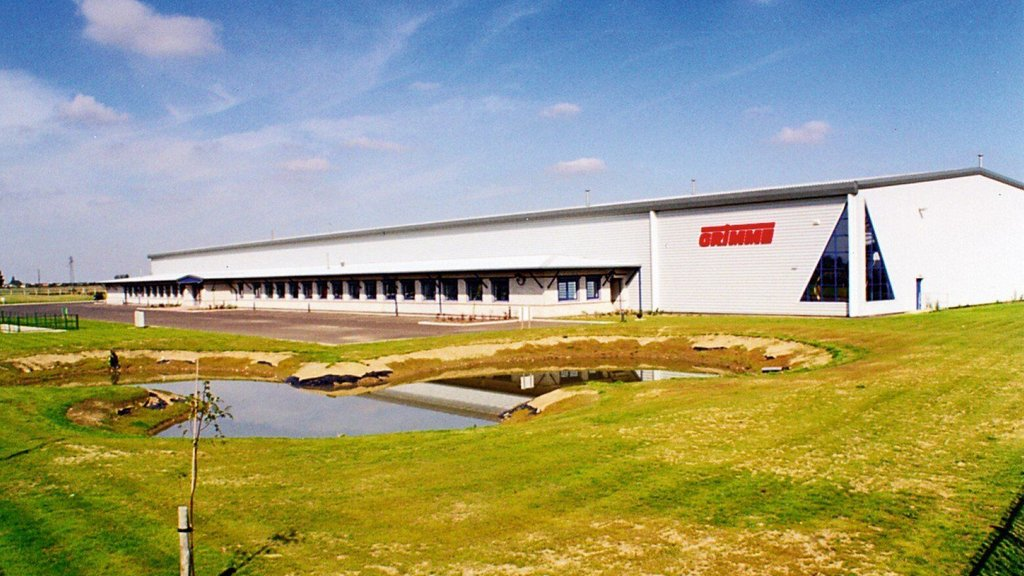 Grimme's current UK headquarters at Swineshead, Lincolnshire was opened in 1995.