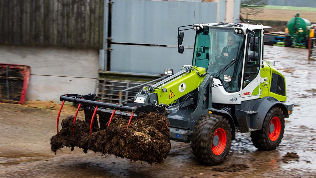 Review: Claas' Torion 738 T Sinus is one serious tight turner
