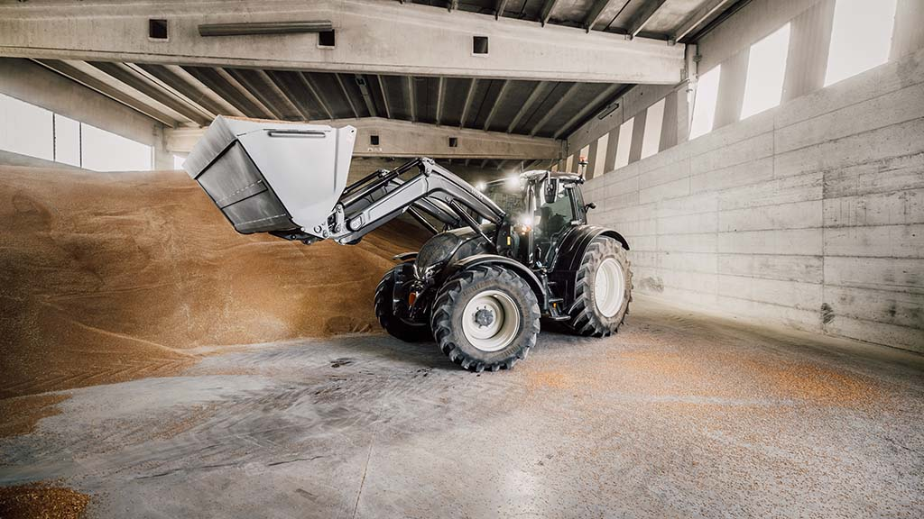 Precision Lift and Load allows operators to weigh loads and set lift parameters.