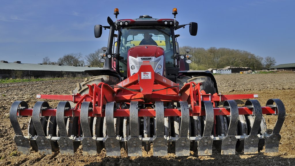 Equipped with optional front linkage/PTO and 710/65 R38 rear tyres, the purchase included a 12-month subscription for McCormick's Fleet Management telematic system and N-RTK guidance.