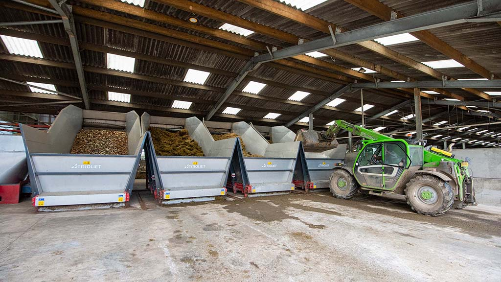 The Trioliet T30 feed kitchen consists of four bunkers loaded via a telehander from the adjacent stores and silage clamp.