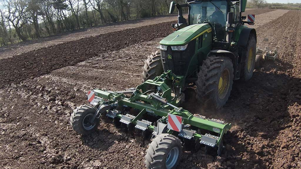 Agriweld front-mounted disc cultivator