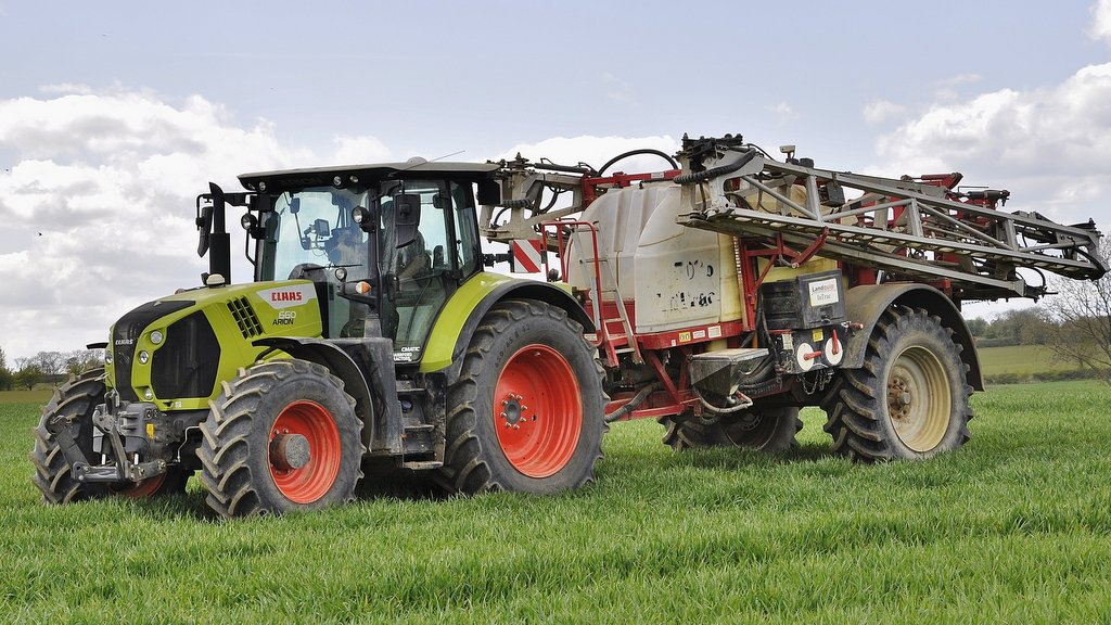 The Claas Arion CMatic models use a two-range Claas EQ220 CVT unit. All of the tractors at Watson Haynes (with the exception of the Challenger 765C) are CVT-equipped models.