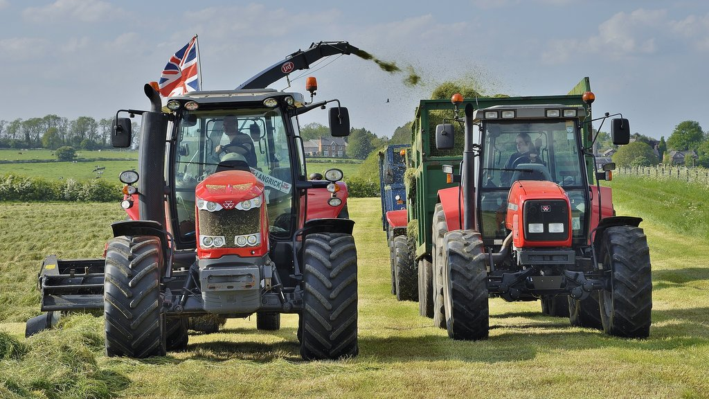The Rees family in Leicestershire have a time-honoured tradition of using Massey Ferguson tractors and equipment which dates back to the mid-1960s.