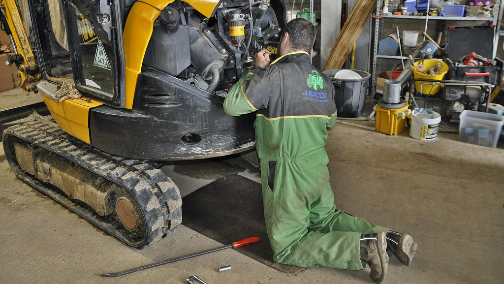 The modern agricultural mobile mechanic must also be capable of working on plant equipment, as many farmers and contractors continue to diversify into construction and renewable energy.