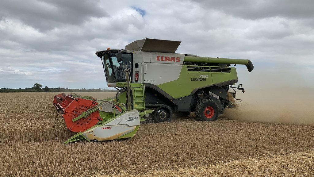 The device was fitted by a self-employed Claas fitter to the farm's 10.50m cut 2014 Lexion 760 ahead of the 2020 harvest.