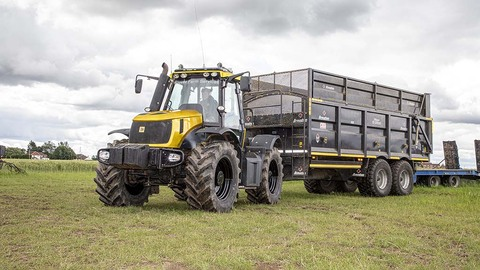 User review: Balancing age risks and cost rewards with classic JCB Fastrac tractors