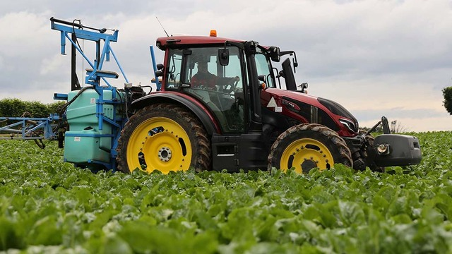 User review: Valtra's G135 hits the spot as a versatile performer on a mixed farm